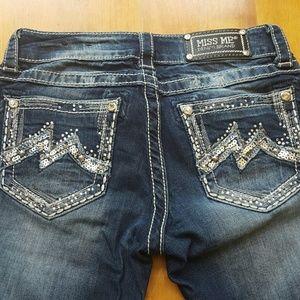 Miss Me Jeans. Boot cut. Embellished pockets sz 26