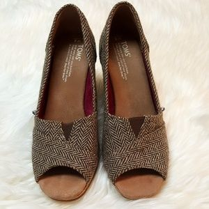 TOMS Shoes - TOMS tweed glitter open toe wedges