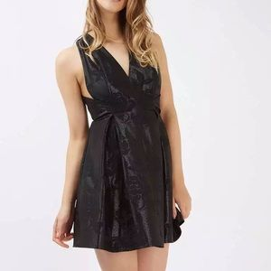 TOPSHOP Twist Jacquard Party Dress