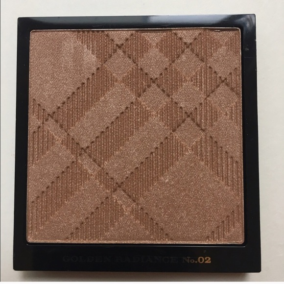 Burberry Other - Burberry Golden Radiance Face Highlight Powder