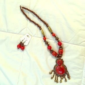 Jewelry - ❗️Sale❗️Beautiful boho red marble necklace