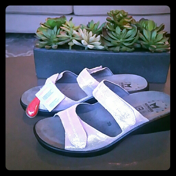 84a05ea4d80 mephisto Shoes | Ulda Sandals | Poshmark