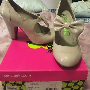 Heels with bow💝💝💝
