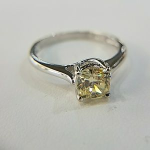 14k White Gold Engagement Ring 1ct Round Solitaire