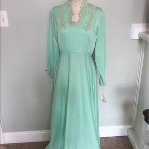 Vintage 1970's long Polyester Gown Sz 10/12