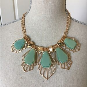 New mint  statement necklace set.