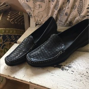 WMNS COLE HAAN WOVEN LEATHER LOAFERS