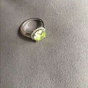 Jewelry - Lime green ring
