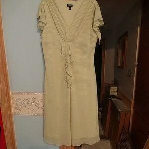 MSK Dresses & Skirts - Ruffle Polka Dot Dress
