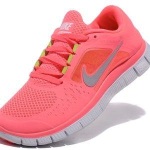 nike free run in pink
