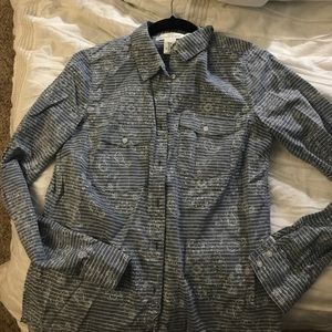 L.O.G.G. by H&M Tops - Unique chambray paisley button up blouse