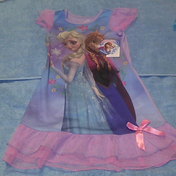 71 off disney other frozen anna and elsa pajamas and - Robe elsa disney ...
