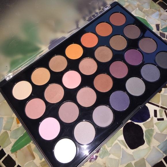 59 off bh cosmetics other bh cosmetics modern neutrals for Modern neutrals palette