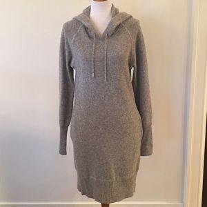 Isabella Oliver Dresses & Skirts - Isabella Oliver sweater dress