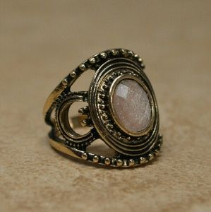 Jewelry - Gorgeous Ornate Gold Statement Ring
