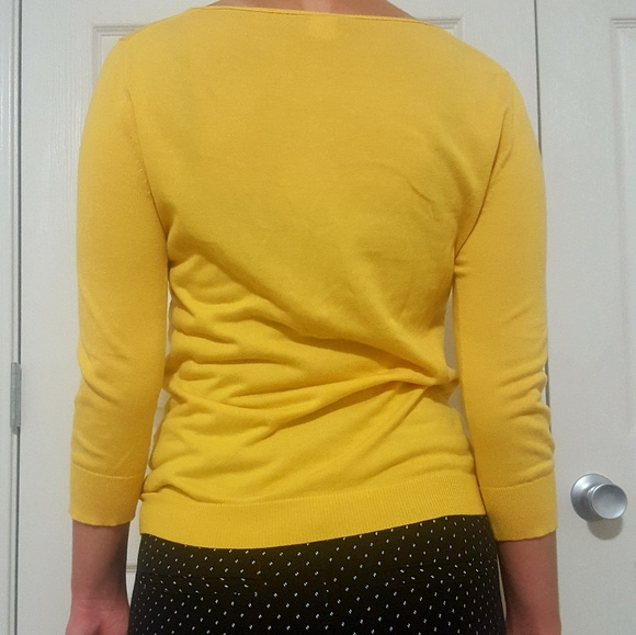 Find the latest and trendy styles of yellow sweater - women's mustard yellow sweater and cardigan at ZAFUL. We are pleased you with the latest fashion trends yellow sweater. Flare Sleeve Lace Up V Neck Sweater - Bright Yellow. QUICK VIEW. 37% OFF. Drop Shoulder Contrast Trim Sweater - Bright Yellow. QUICK VIEW.