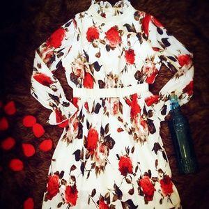 Dresses & Skirts - 🆕 Floral white sleeved formal dress