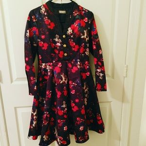 Dresses & Skirts - 🆕 Black floral brocade A-line dress with sleeves