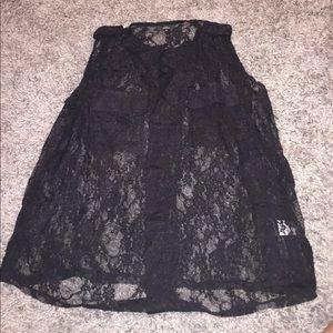Millau Tops - Clearance 💥laced black sleeveless shirt