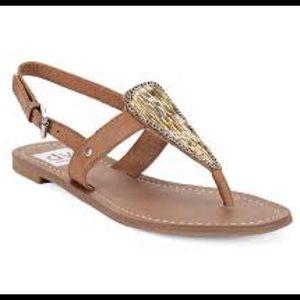 DV by Dolce Vita Shoes - New! 🎉 DV dolce vita Domino flat sandal tan 8