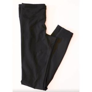 Under Armour Pants - UNDER ARMOUR black workout leggings