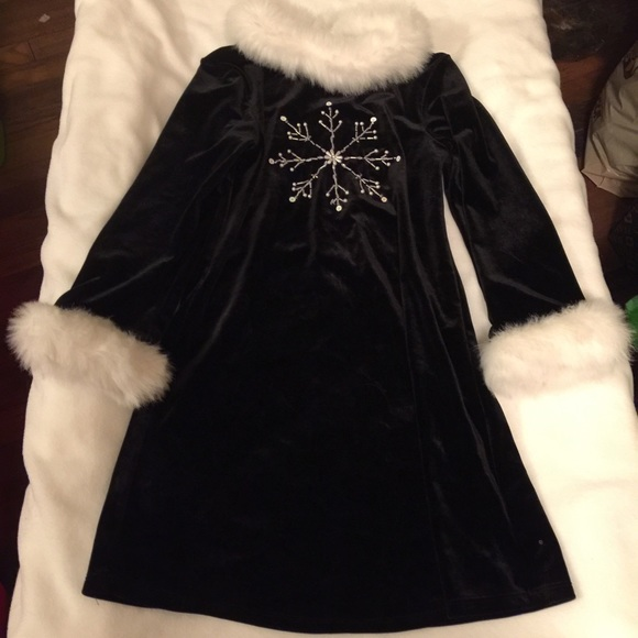 9c1eba283e049 Bonnie Jean Dresses | Girls Black Velvet Dress W Fur Trim Size 6 ...
