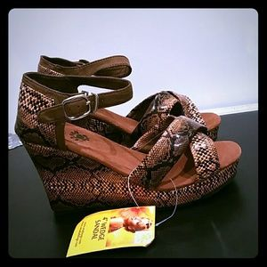 Dawgs Shoes - WOMEN'S KAYMANN 4-INCH SANDAL WEDGES