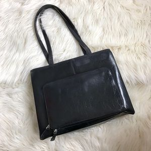 Liz Claiborne Handbags - Liz Claiborne Black Leather Shoulder Purse