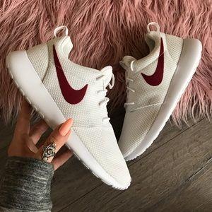 Nike Shoes - NWT Nike ID roshe white custom