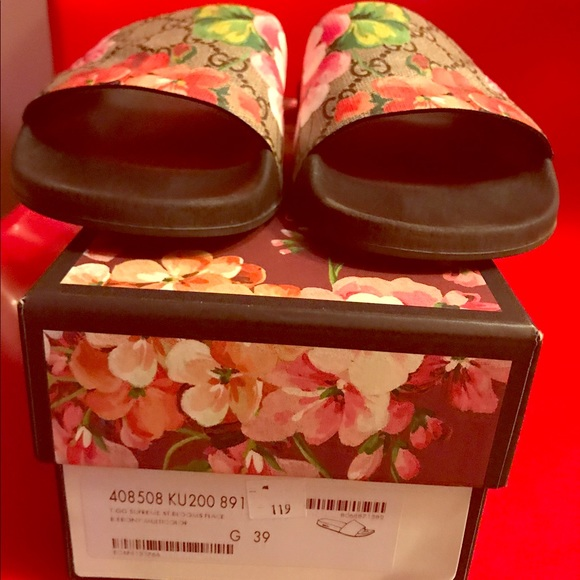 238690e6af7 Gucci Shoes - Gucci Pursuit Bloom Canvas Slides Authentic