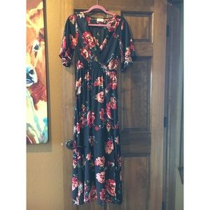 Everly Dresses & Skirts - Floral Maxi Dress