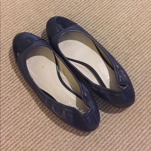64 off boden shoes boden blue leather pom pom pumps from jayjune 39 s closet on poshmark. Black Bedroom Furniture Sets. Home Design Ideas