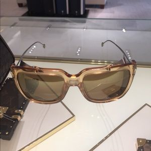GUCCI sunglasses barely worn