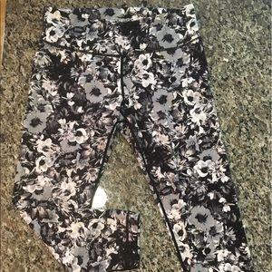 90 Degree By Reflex Pants - Floral workout capri leggings