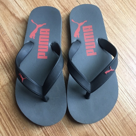 View all kids footwear Shop through our selection of kids sandals, ideals for everyday wear especially in the summer. We've got good quality sandals from brands such as Hot Tuna, Crocs and SoulCal!