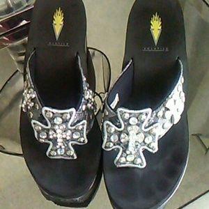 Volatile Shoes - Bling cross sandals