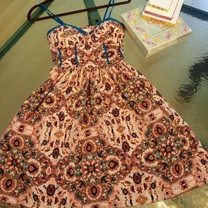 17 Sundays Dresses & Skirts - Pink patterned dress with red/blue pattern