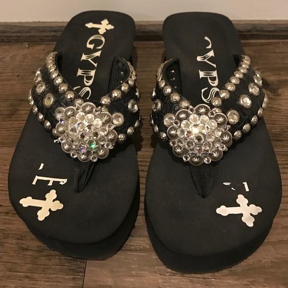 9d0ed97ac4302 gypsy soule Shoes - Gypsy Soule Black Wedge Flip flops