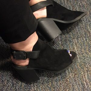 Black suede mule chunky heel shoes 9