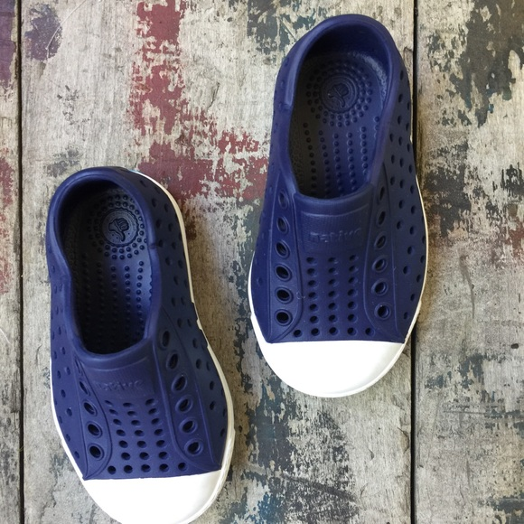 Native NATIVE BLUE SNEAKERS INFANT 5c euc from Jade s