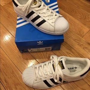 *SOLD* Adidas superstars black and white NIB