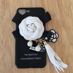 Accessories - Charm & 🌺 iPhone case
