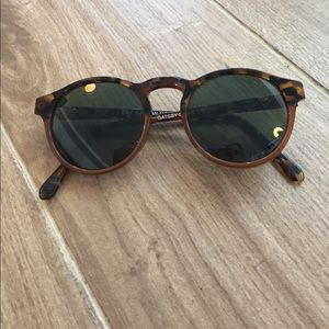 Ray-Ban Accessories - Gatsby Tortoise Ray-Ban Round Sunglasses