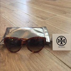 Tory Burch Accessories - Tory Burch Light Tortoise Sunglasses