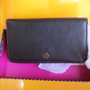 Tory Burch Handbags - Tory Burch Leather Wallet
