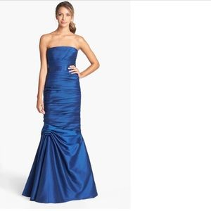Monique Lhuillier Dresses & Skirts - ML Strapless Ruched Faille Mermaid Gown