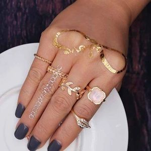 Jewelry - New Gold Stone Leaf 5 Piece Ring Set