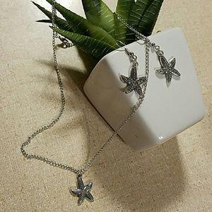 Adorable starfish beach vibe necklace set