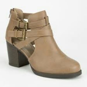 Soda Shoes - Soda Ankle Booties