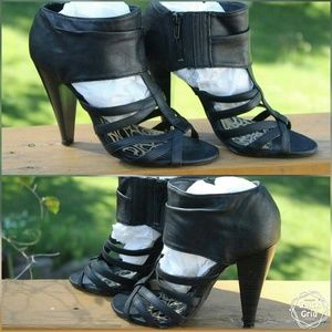 Unlisted Shoes - Unlisted Black Heel Sandal Sz 7